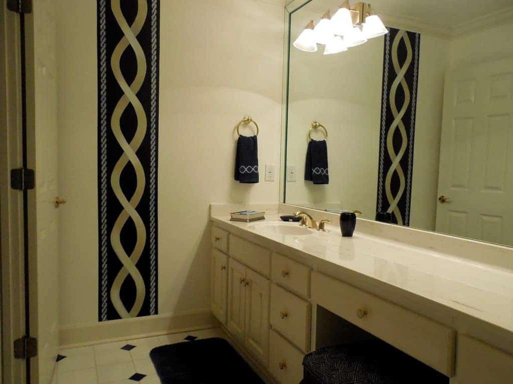 Guest Bath with Custom Paint Design