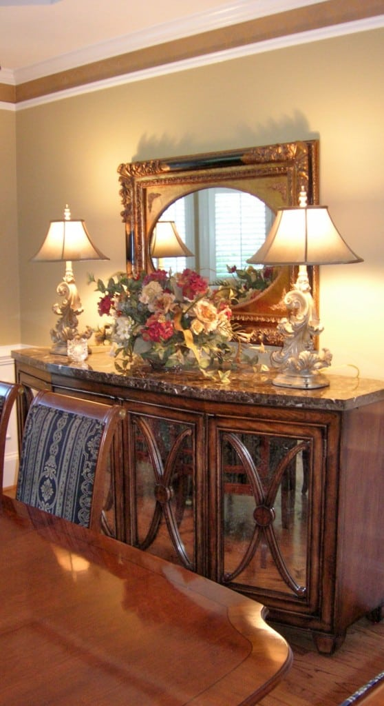 Add a Dining Room Feature Wall